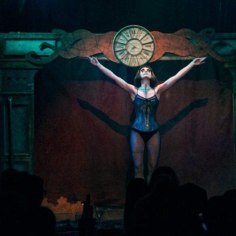 Troupe cirque freak show