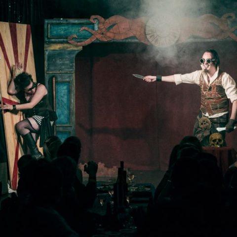 """Troupe cirque freak show """"Le Fabuleux Cabariosité à Vapeur"""" de la compagnie Rêves Temporels"""