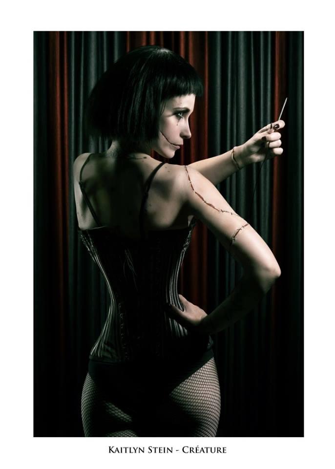 """Kaitlyn Stein - Troupe cirque freak show """"Le Fabuleux Cabariosité à Vapeur"""" de la compagnie Rêves Temporels"""
