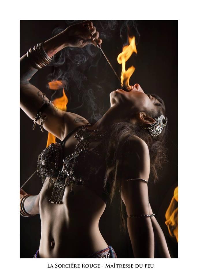 Sorcière Rouge - Troupe cirque freak show